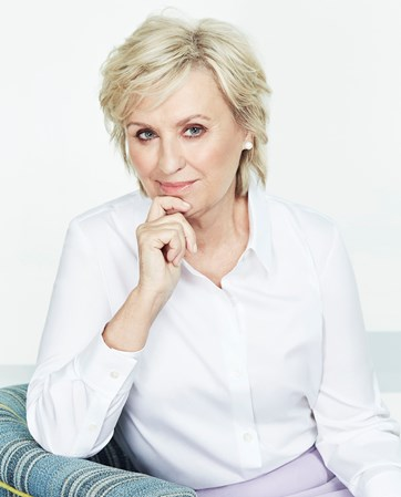Tina Brown headshot