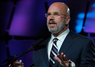 <p>Michael Smerconish's <span>unique balance of humor and political reflection keep audiences engaged</span></p>