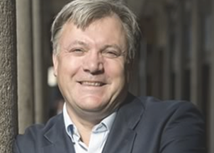 <p>A tour through Ed Balls' website offers a glimpse of what audiences get when he arrives to their events: Serious and thought-provoking political discussion about important Euro-zone and Brexit issues, disarming candor and a ton of fun</p>