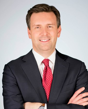 Josh Earnest headshot