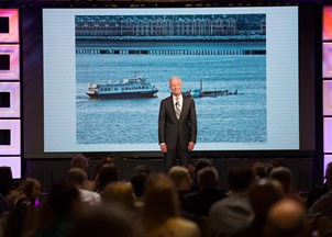 <p>Captain Sullenberger delivers powerful message on leadership at SAS Global Forum</p>