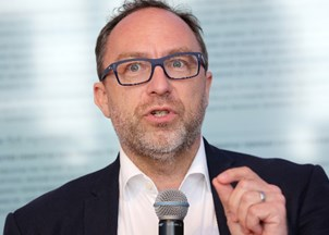 <p>Jimmy Wales launches revolutionary news platform, Wikitribune</p>