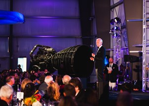<p>Captain Sullenberger honored at 2017 Endeavor Awards</p>
