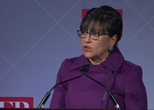 "<p>Penny Pritzker receives inaugural ""Commercial Diplomat of the Year Award""</p>"