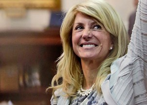 <p>Wendy Davis inspires and empowers at Stanford Women's Coalition</p>