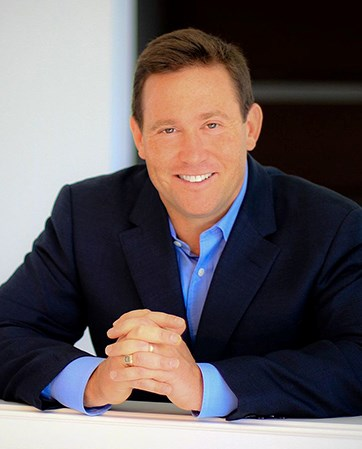 Jon Gordon headshot