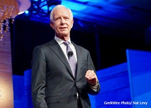 <p>Captain Sullenberger brings the house down with inspiring Smartsheet Engage keynote</p>