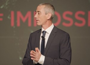 <p>Steven Kotler's<em> Stealing Fire</em> Named a Best Business Book of 2017</p>