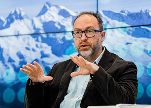 <p>Jimmy Wales in-demand at the World Economic Forum</p>