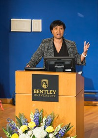 Mae Jemison photo 3