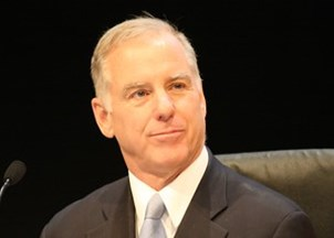<p>VIRTUAL PROGRAMMING: Howard Dean reveals the inner workings of the Presidency and policies affecting businesses and industries everywhere</p>