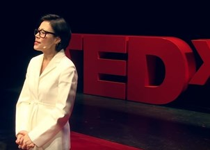 <p>Ann Curry's powerful TedTalk on journalism today</p>
