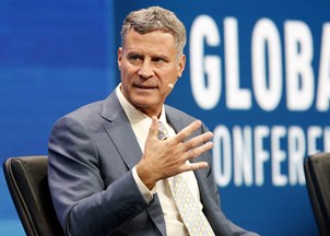 <p>Alan Krueger makes headlines for insights at major economic symposium </p>