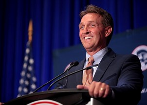 <p><strong>Jeff Flake is in-demand by top outlets and organizations </strong></p>