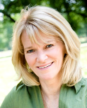 Martha Raddatz headshot